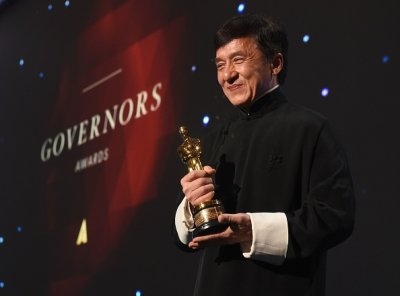 AC JACKIE CHAN HONORARY OSCAR 2016 11 12