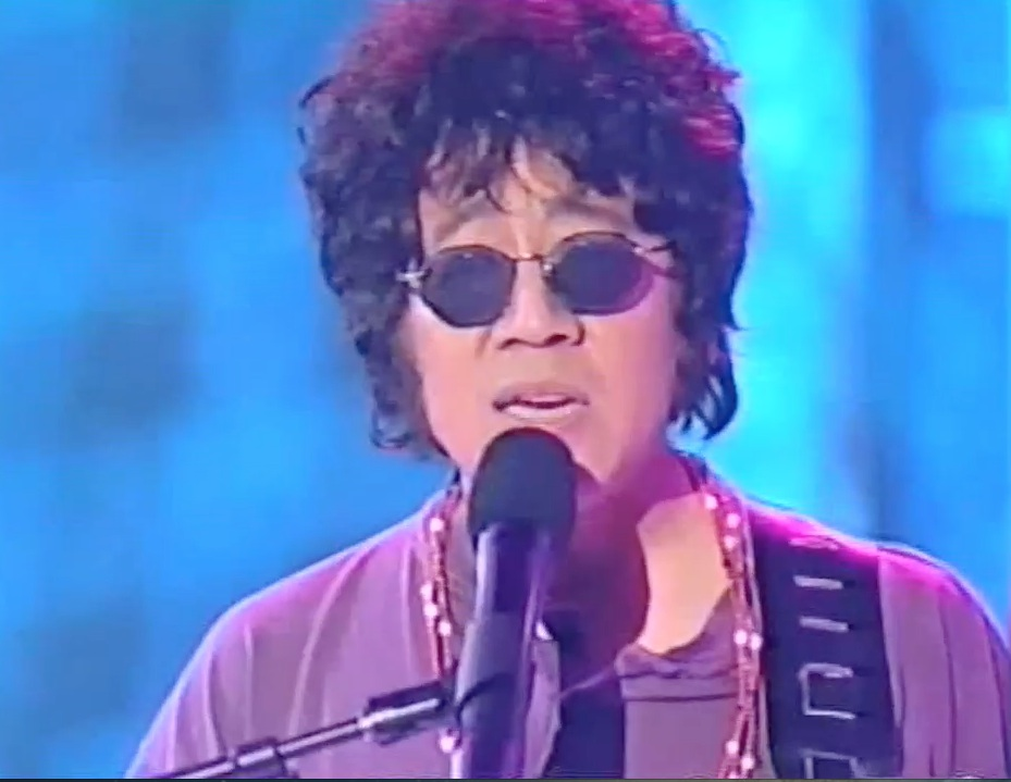 Live! Tune in tomorrow Sat. July 6, 2013 10am PST to hear Ben Fong-Torres sing Bob Dylan and Elvis songs!